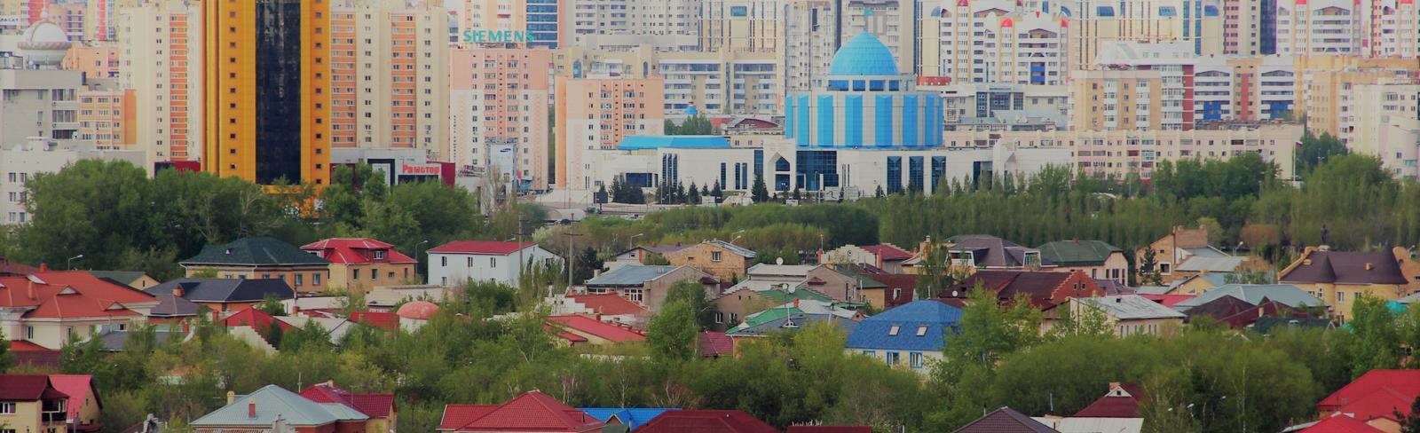 A view of homes outside of an urban area. Kazakhstan. Photo: Shynar Jetpissova / World Bank